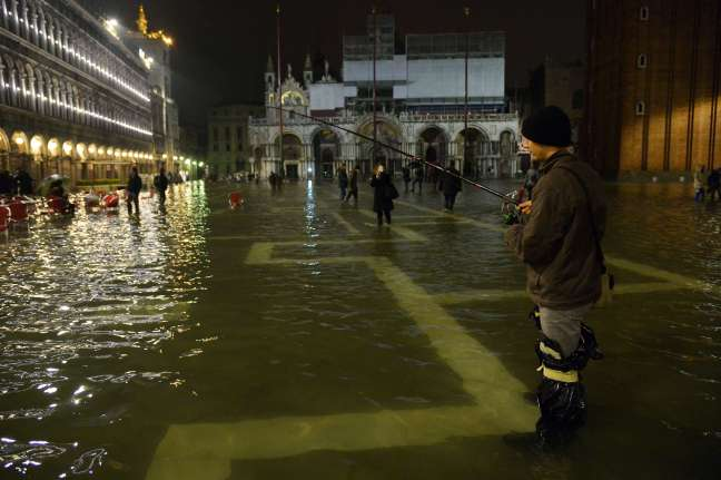 Venedik'te sel keyfi